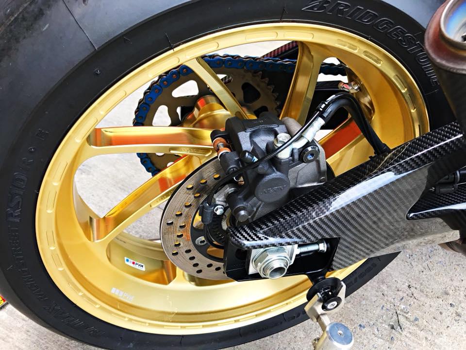 Chiem nguong dung nhan bong bay tu Superbike Suzuki GSXR1000 - 12