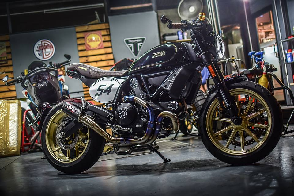Ducati Scrambler Cafe Racer cucstom by Mugello
