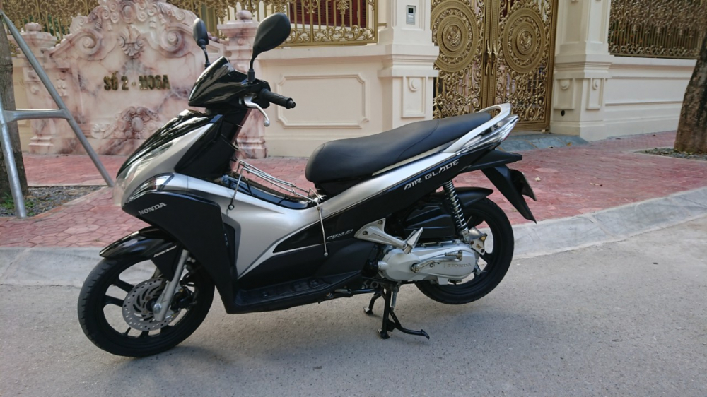 Honda Airblade fi doi moi 2012 den bac chinh chu dung tot 24tr - 5