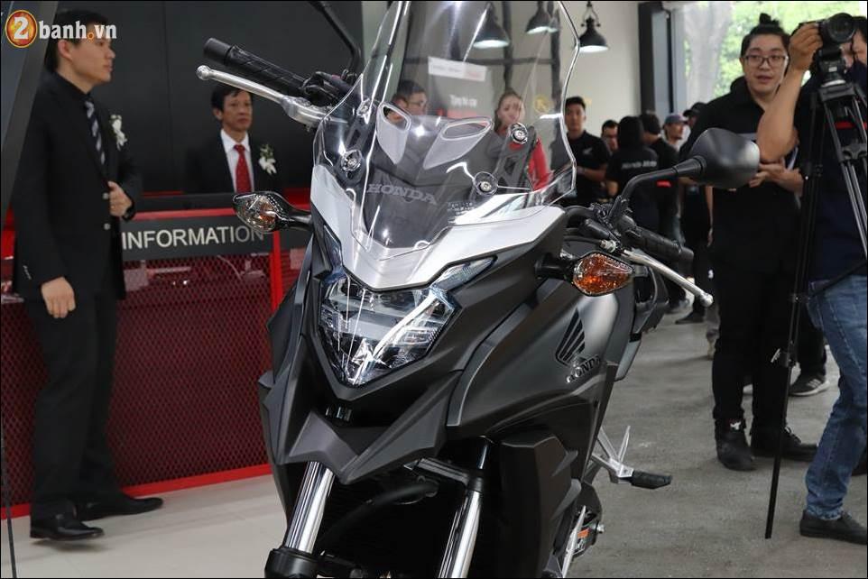 Honda CB500X 2018 co gia 180 trieu VND ra mat tai Showroom Honda Moto Viet Nam