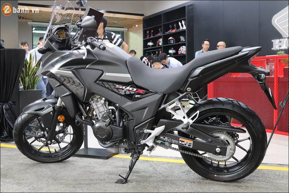 Honda CB500X 2018 co gia 180 trieu VND ra mat tai Showroom Honda Moto Viet Nam - 13