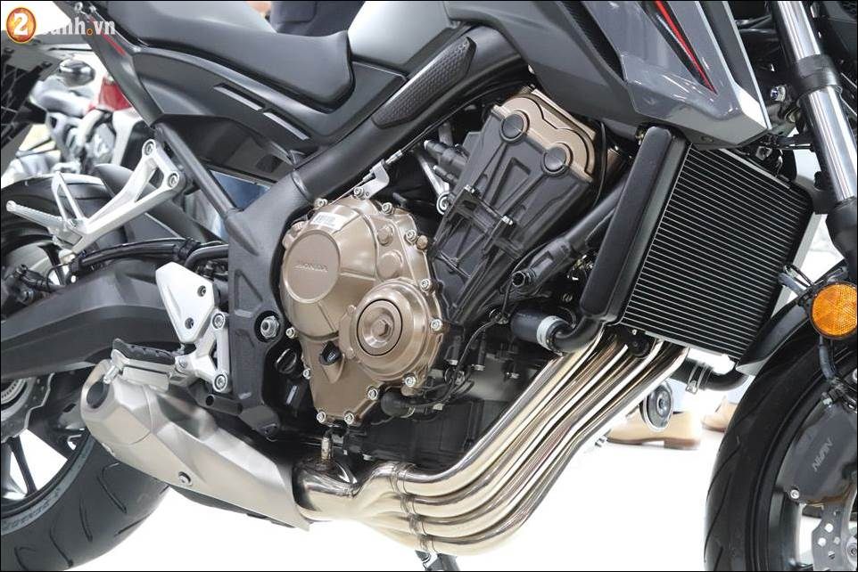 Honda CB650F 2018 co gia 2259 trieu VND ra mat tai Showroom Honda Moto Viet Nam - 11
