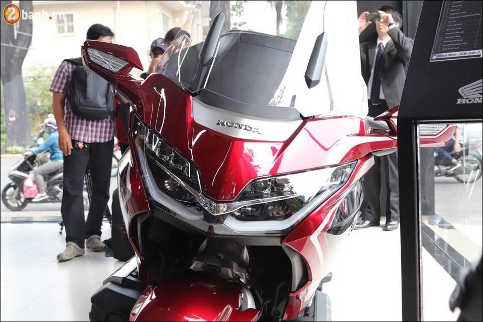Honda Goldwing 2018 gia 12 ty VND tai Showroom Honda Moto Viet Nam - 3