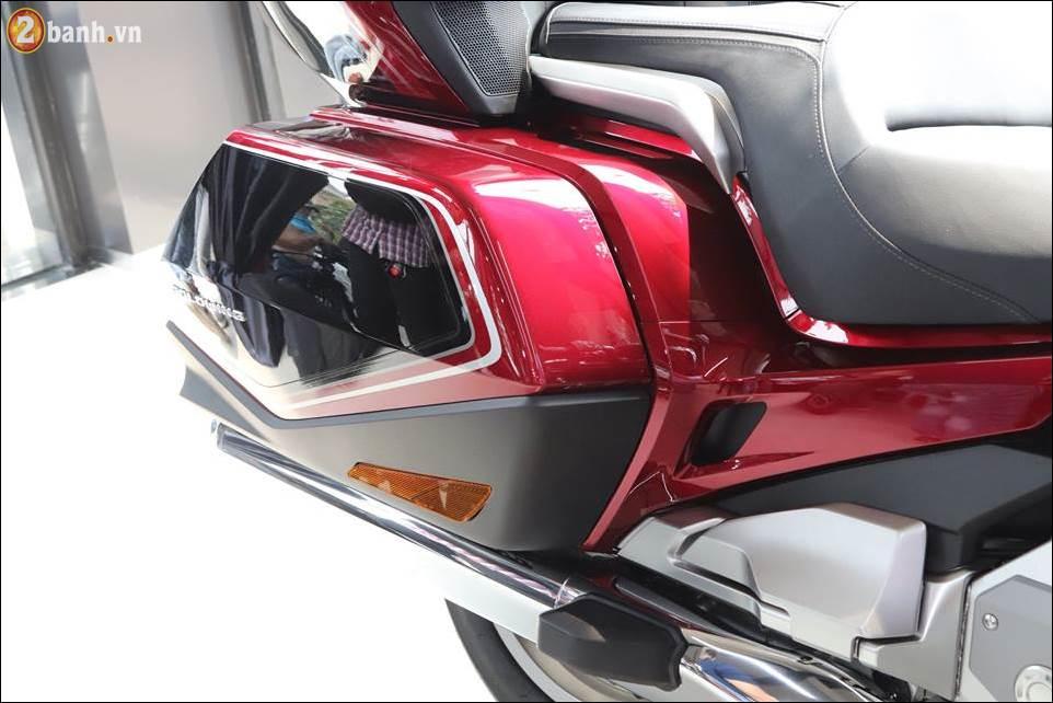 Honda Goldwing 2018 gia 12 ty VND tai Showroom Honda Moto Viet Nam - 9