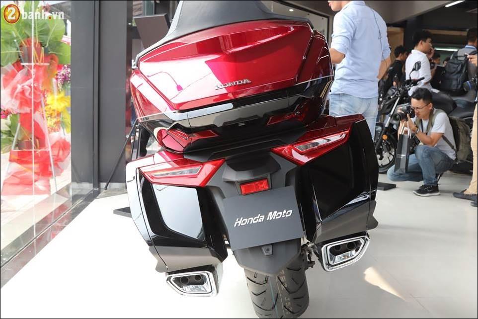 Honda Goldwing 2018 gia 12 ty VND tai Showroom Honda Moto Viet Nam - 14