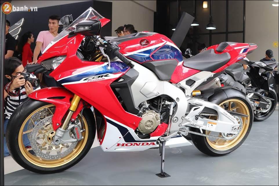 Honda Moto ban duoc 160 xe trong ngay dau tien khai truong showroom - 10
