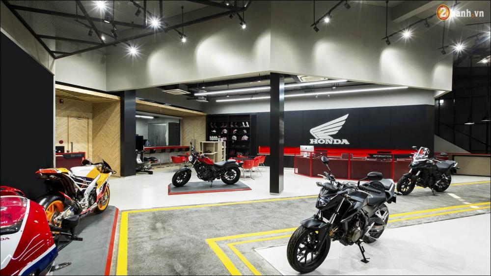 Honda VN ra mat 9 mau xe mo to tai su kien khai truong showroom Honda Moto - 5