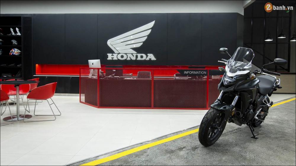 Honda VN ra mat 9 mau xe mo to tai su kien khai truong showroom Honda Moto - 17