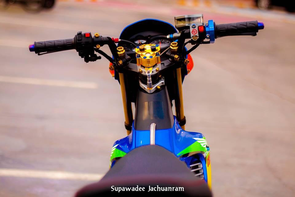 Huyen thoai Sonic 125 do mang ve dep doc dao cua biker Thai - 5