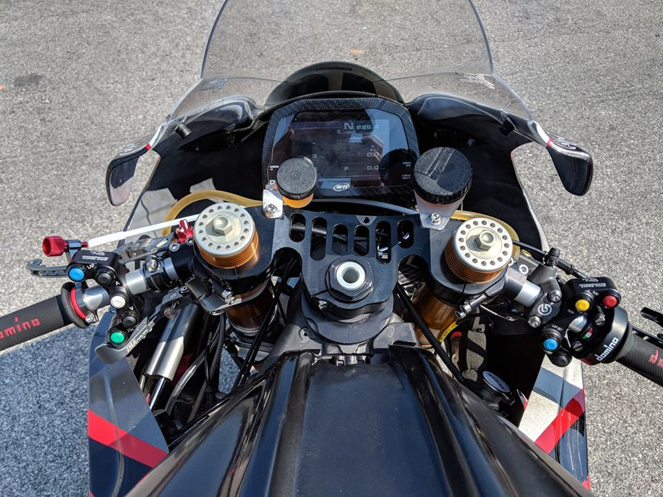 Kawasaki ZX10RR dep ngat ngay voi cau hinh duong dua - 4