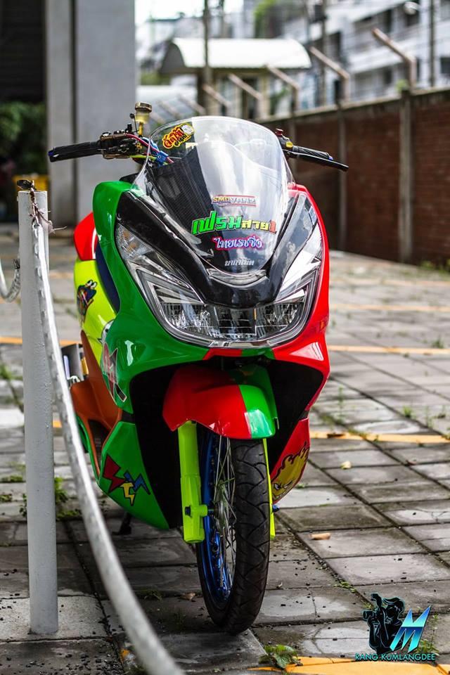 PCX 150 do kho tho voi sac mau cau vong cua dan choi Thai - 4