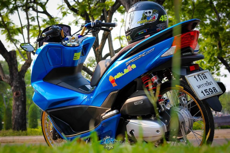 PCX 150 do mang buoc chan sieu luot cua biker nuoc ban