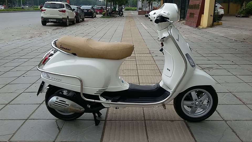 PIAGGIO Vespa lx 125 nhap Italia nguyen chiec 2k18