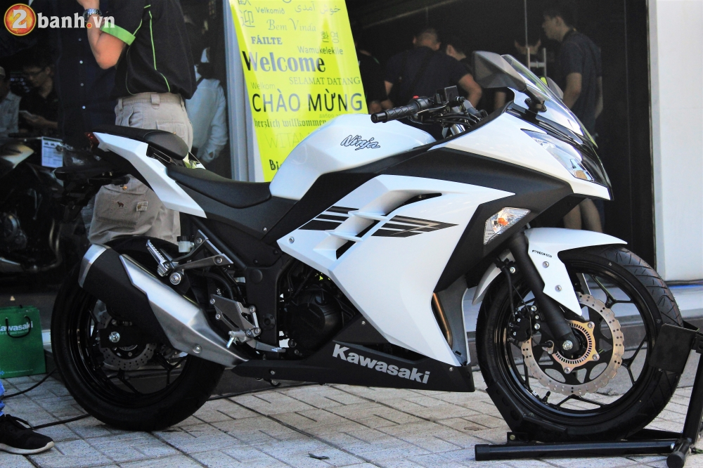 So sanh giua Kawasaki Ninja 250 2018 va Ninja 300 - 3