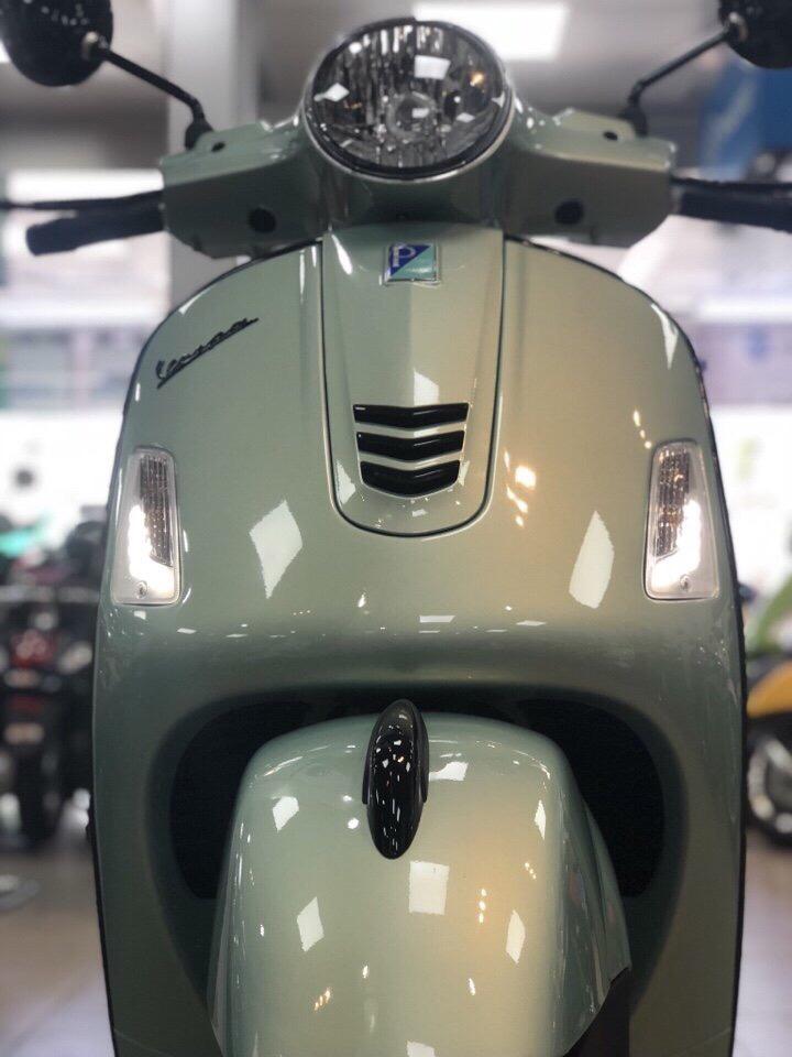 Super Vespa GTS 300cc Dang Cap Khong The Choi Tu