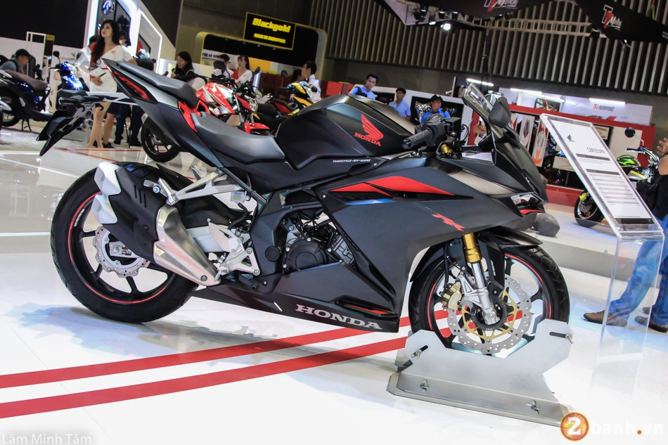 Tin don Honda CBR250RR phan phoi chinh hang tai Viet Nam gia 150 trieu dong vao thang 72018