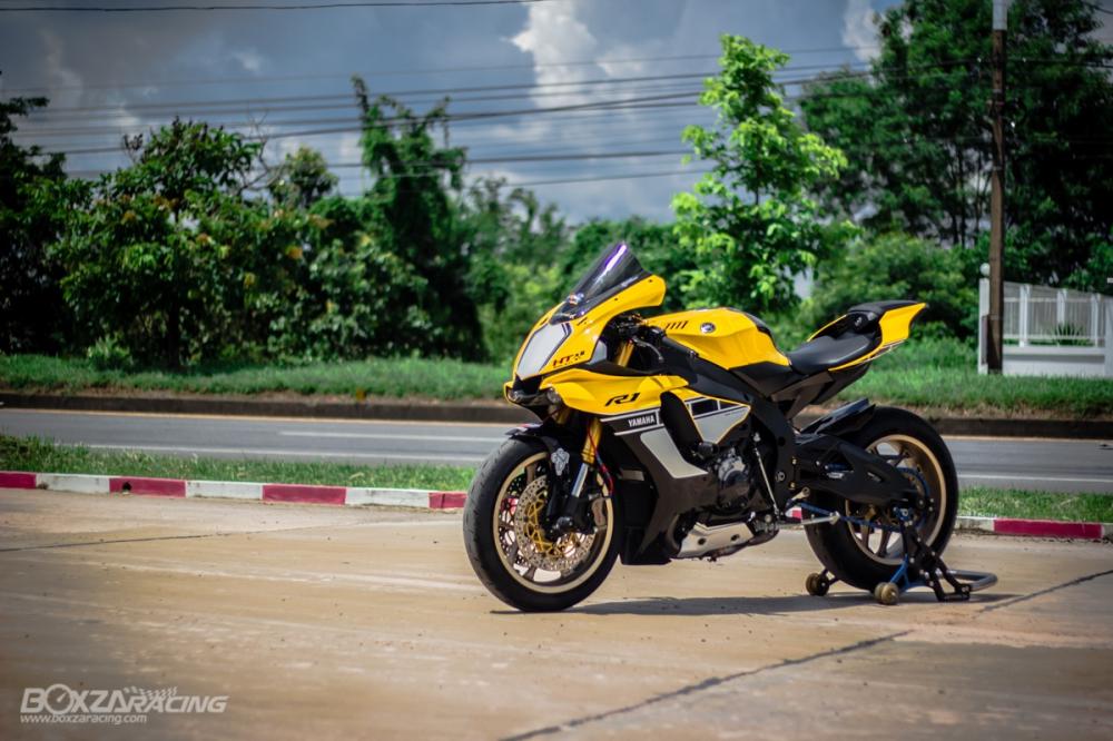 Yamaha R1 ban dac biet ky niem 60 nam dep ngat ngay tren dat Thai