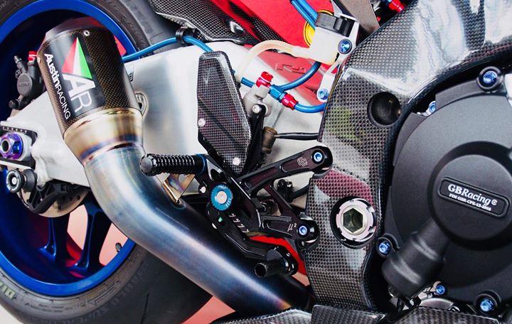 Yamaha R1M nang cap hoan thien voi phu kien Carbon fiber - 12