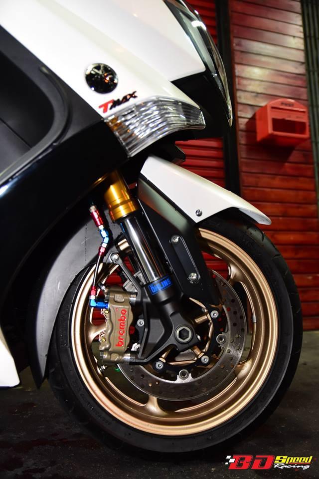 Yamaha TMax530 do cang det voi phu kien khung - 4