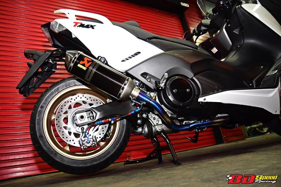Yamaha TMax530 do cang det voi phu kien khung - 7