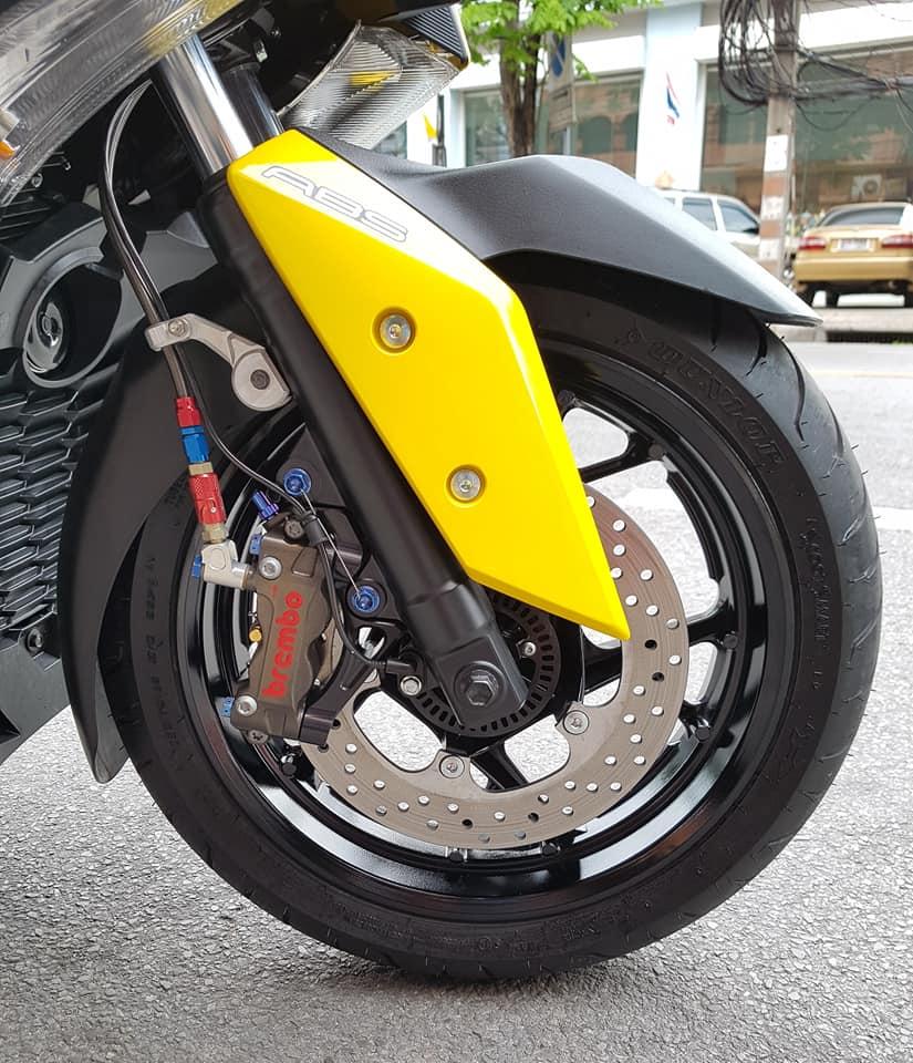 Yamaha XMax 300 do full option dep ngat ngay tren dat Thai - 10