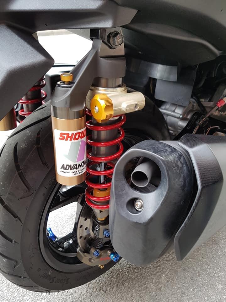 Yamaha XMax 300 do full option dep ngat ngay tren dat Thai - 14
