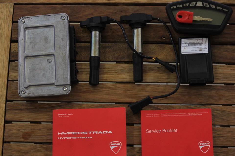 BAN Ducati Hyperstrada 821 SGQ1 - 14