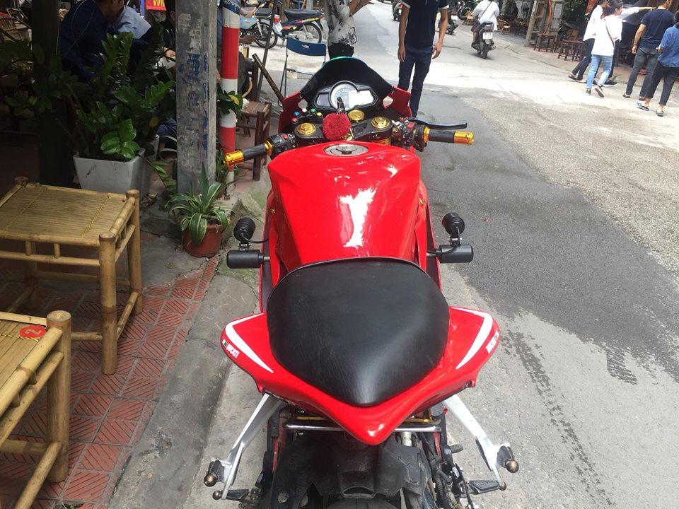 Benelli BN 302 do choang ngop voi bo ao Ducati 1199 Panigale - 4
