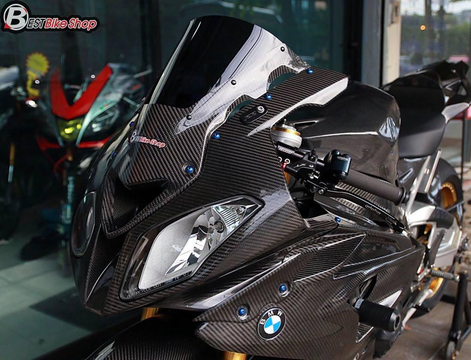 BMW HP4 ve dep tuyet sac trong trang bi full ao Carbon ilmberger