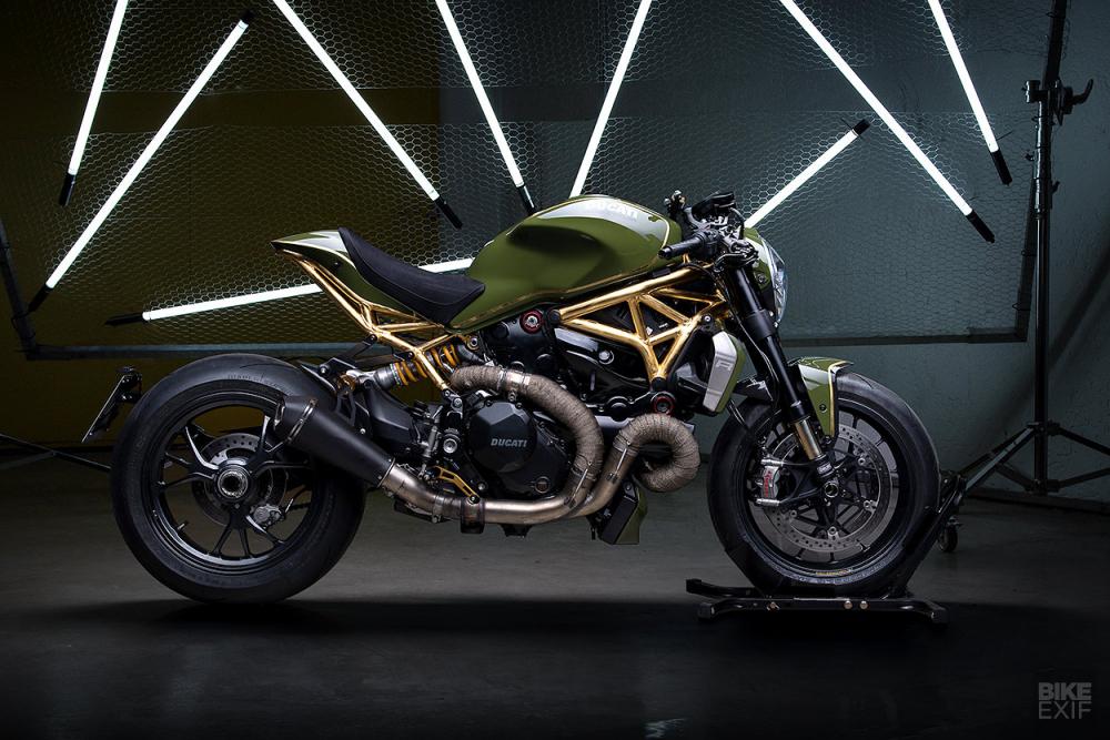 Ducati Monster 1200R do noi bat voi khung xe ma vang 24k - 10