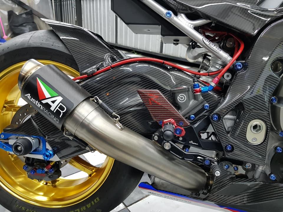 BMW S1000RR ve dep bong bay cung trang bi cao cap - 14