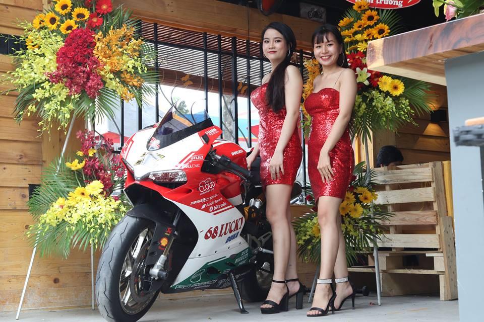 Cafe 12 District Club diem hen cua dan choi xe Sai Gon - 3