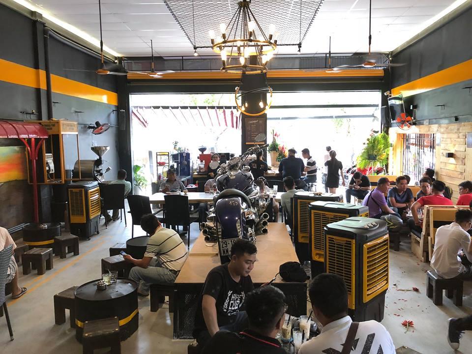 Cafe 12 District Club diem hen cua dan choi xe Sai Gon - 4