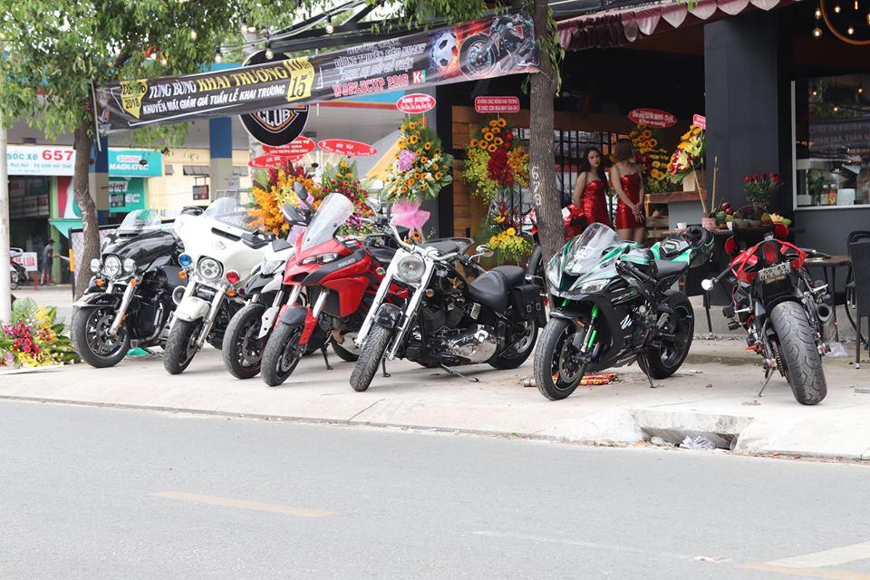 Cafe 12 District Club diem hen cua dan choi xe Sai Gon - 11