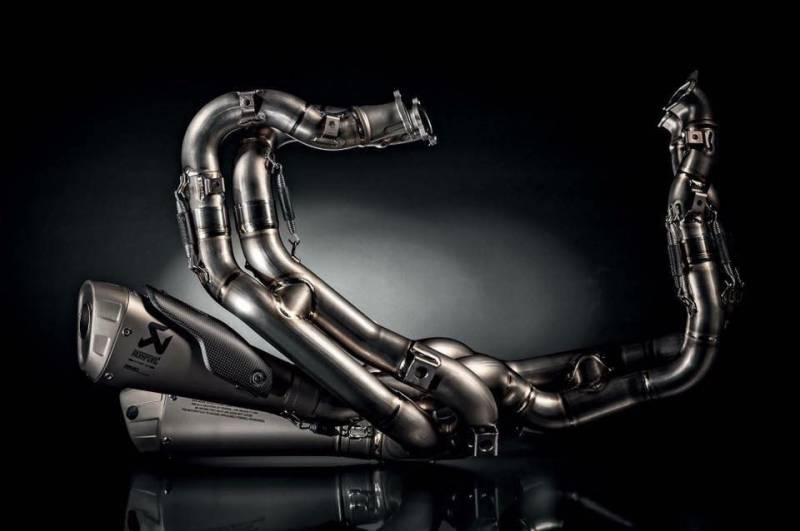 Chiem nguong Po Akrapovic Racing Full System V4 giup Panigale V4 tang 12 ma luc