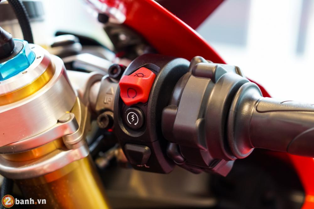 Danh gia nhanh Ducati Panigale V4 S gia khoang 937 trieu Dong tai Sai Gon - 31