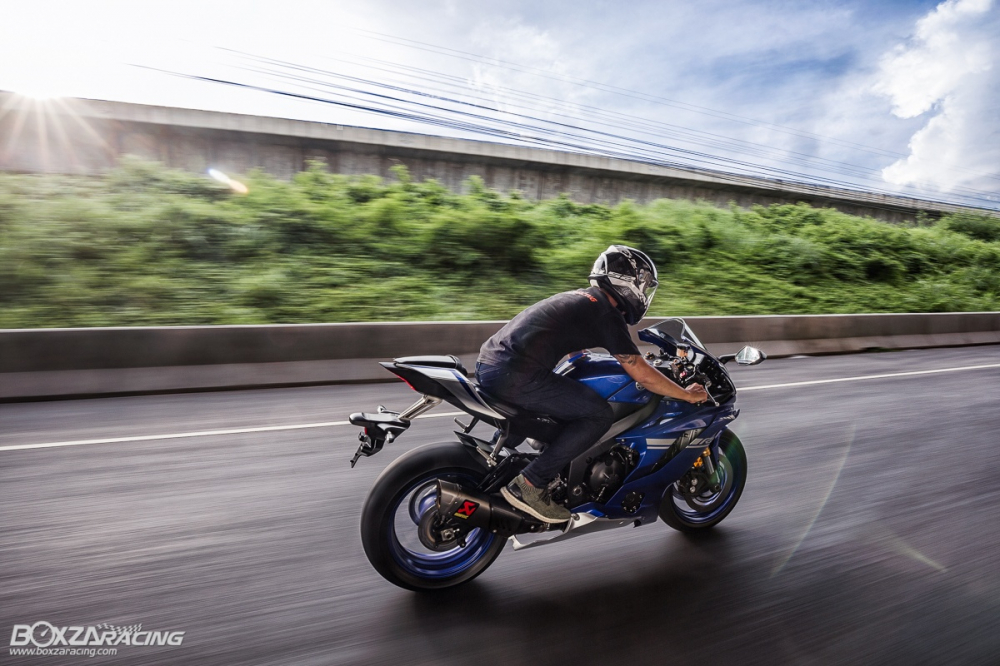 Danh gia chi tiet ve nhung diem moi tren Sportbike Yamaha R6 2018 - 27