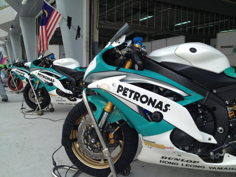 Dani Pedrosa am tham hop tac nghien cuu doi dua Yamaha Petronas Racing Team - 3