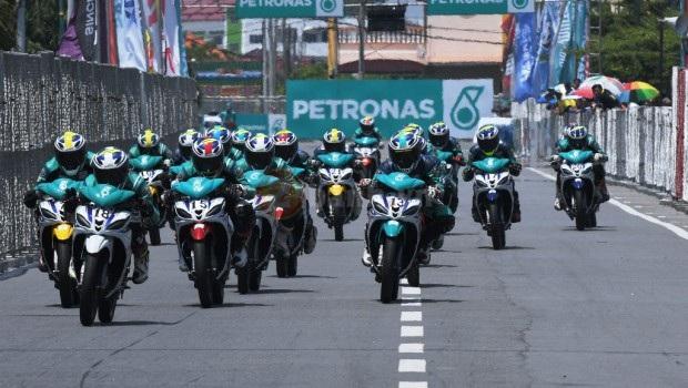 Dani Pedrosa am tham hop tac nghien cuu doi dua Yamaha Petronas Racing Team - 5