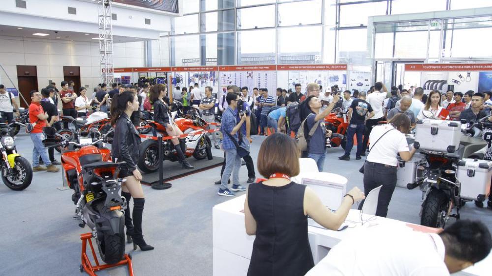 Ducati cong bo gia ban Panigale V4 Multistrada 1260 va Scrambler 1100 tai Viet Nam - 15