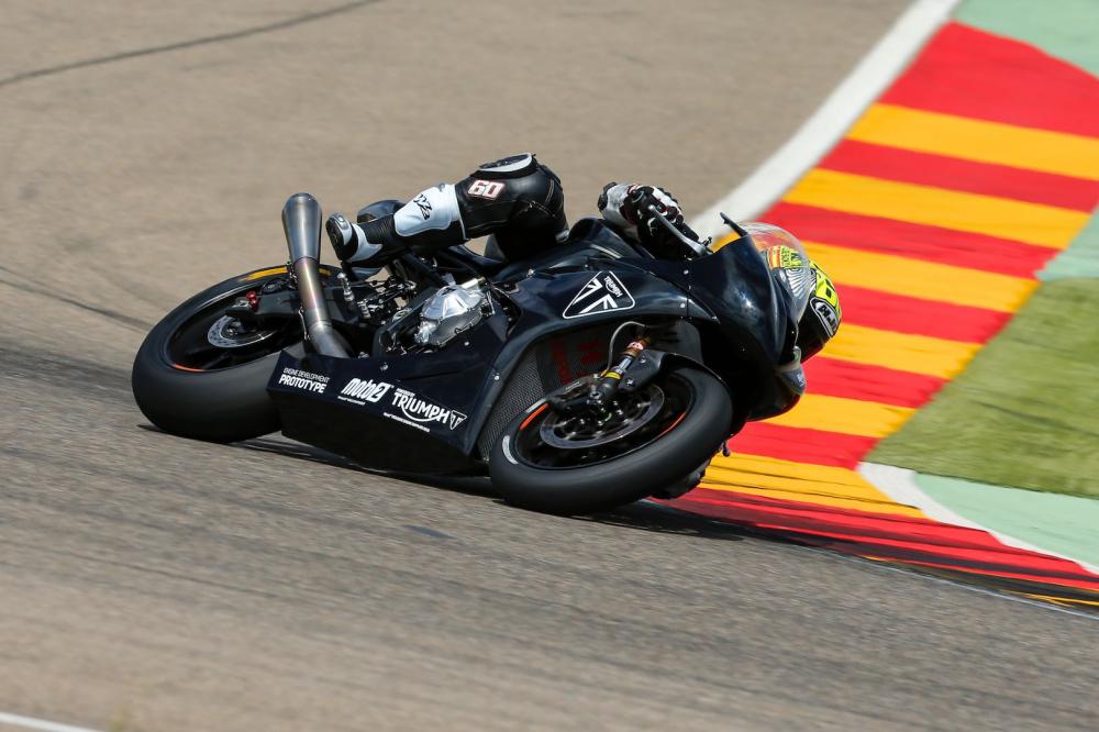 Hang Triumph bat dau chay thu tren duong dua chuan bi cho Moto2 cua MotoGP 2019