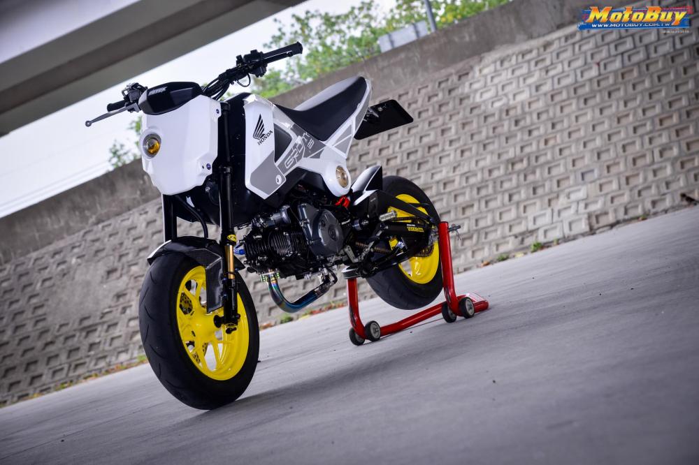 MSX 125 do tieu quy Honda len gan cot ac chien cua biker xu Dai - 3