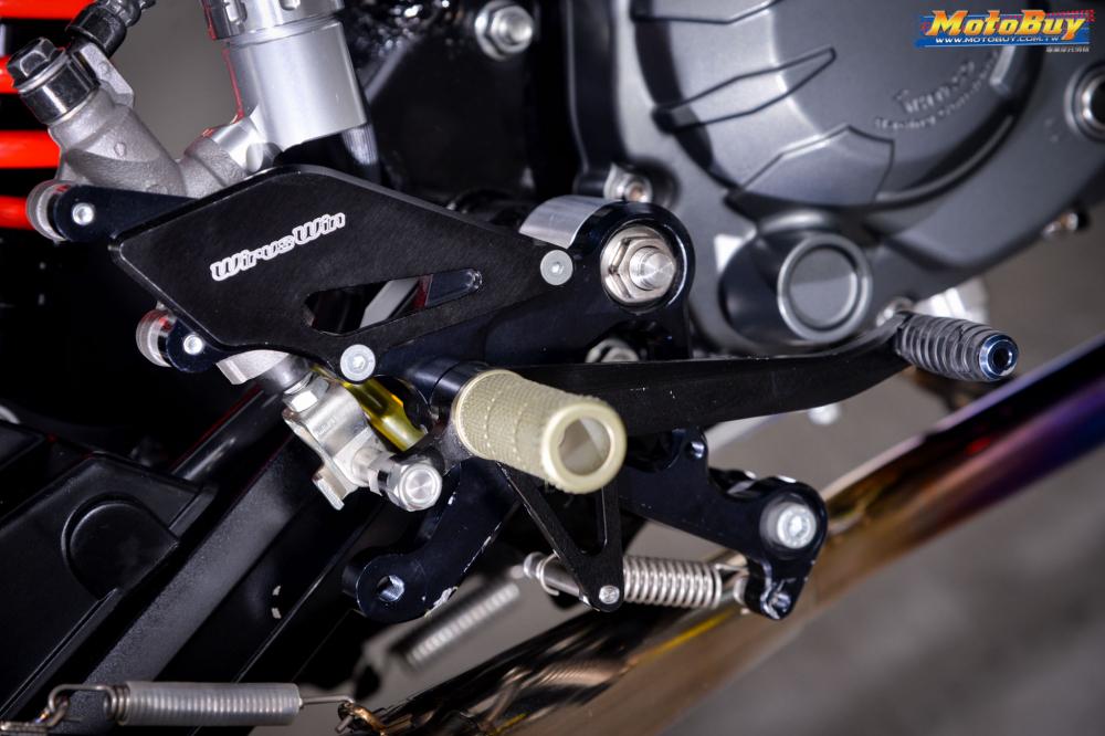 MSX 125 do tieu quy Honda len gan cot ac chien cua biker xu Dai - 7