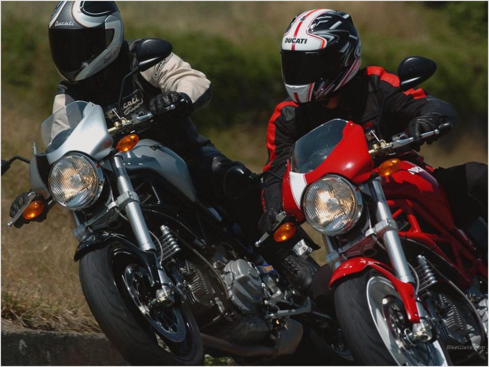 Tong hop cac doi xe Ducati Monster huyen thoai