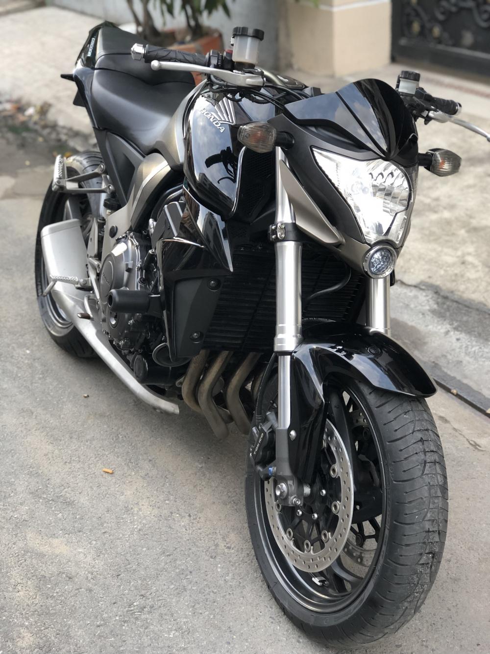 __Can Ban Honda CB1000R HQCN date 2009 odo 18000km ngay chu mua banxe dep chat xe ken