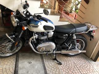 Ban Triumph Bonneville T100