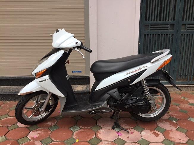 Ban xe Honda Click Bien 30Z Mau trang tre trung Chat luong cuc tot - 4