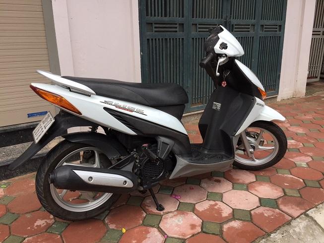 Ban xe Honda Click Bien 30Z Mau trang tre trung Chat luong cuc tot - 5