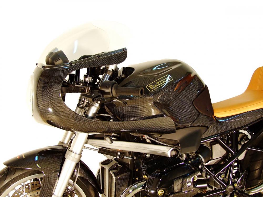 BMW R1200R man lot xac ngoan muc voi than hinh CAFE RACER hoan toan tu soi Carbon - 4
