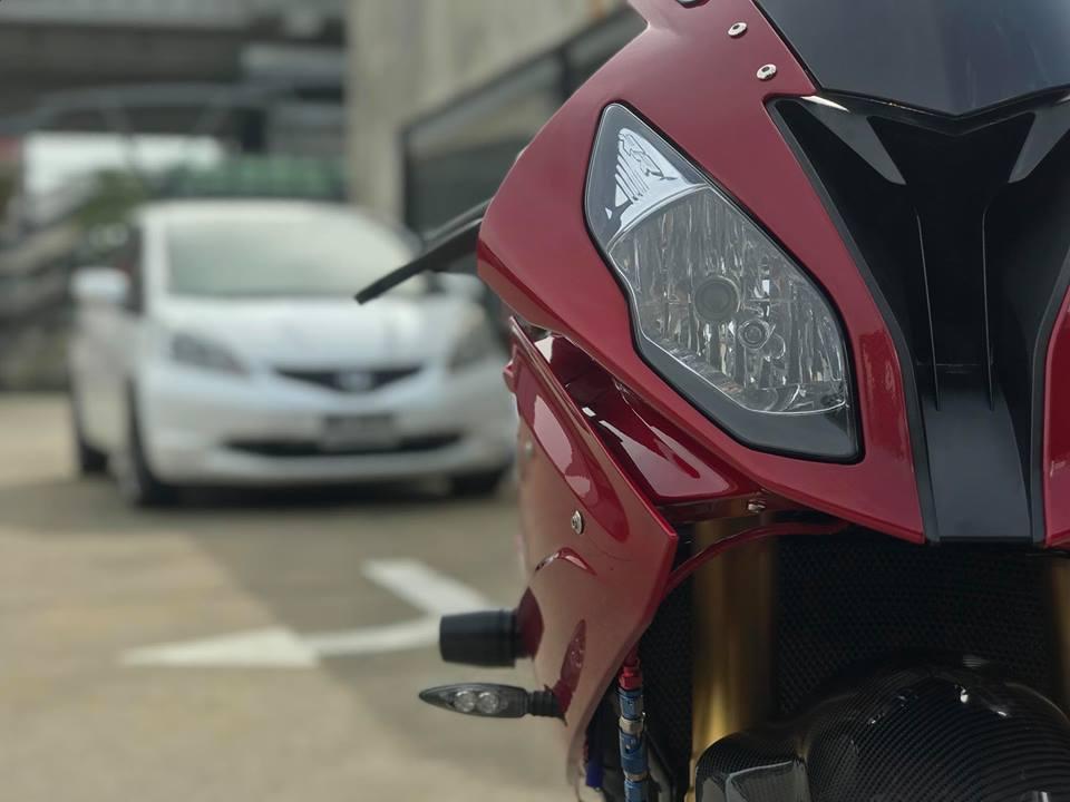 BMW S1000RR ban do dep xuat sac voi tone mau Red Candy